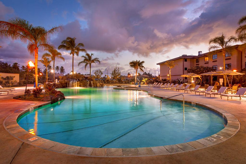 photo of pool area at the Courtyard North Shore