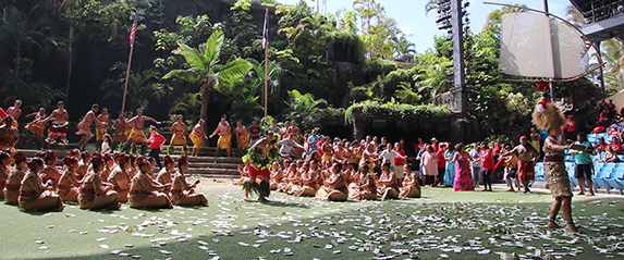 Kahuku High taualuga dance in the We Are Samoa Festival