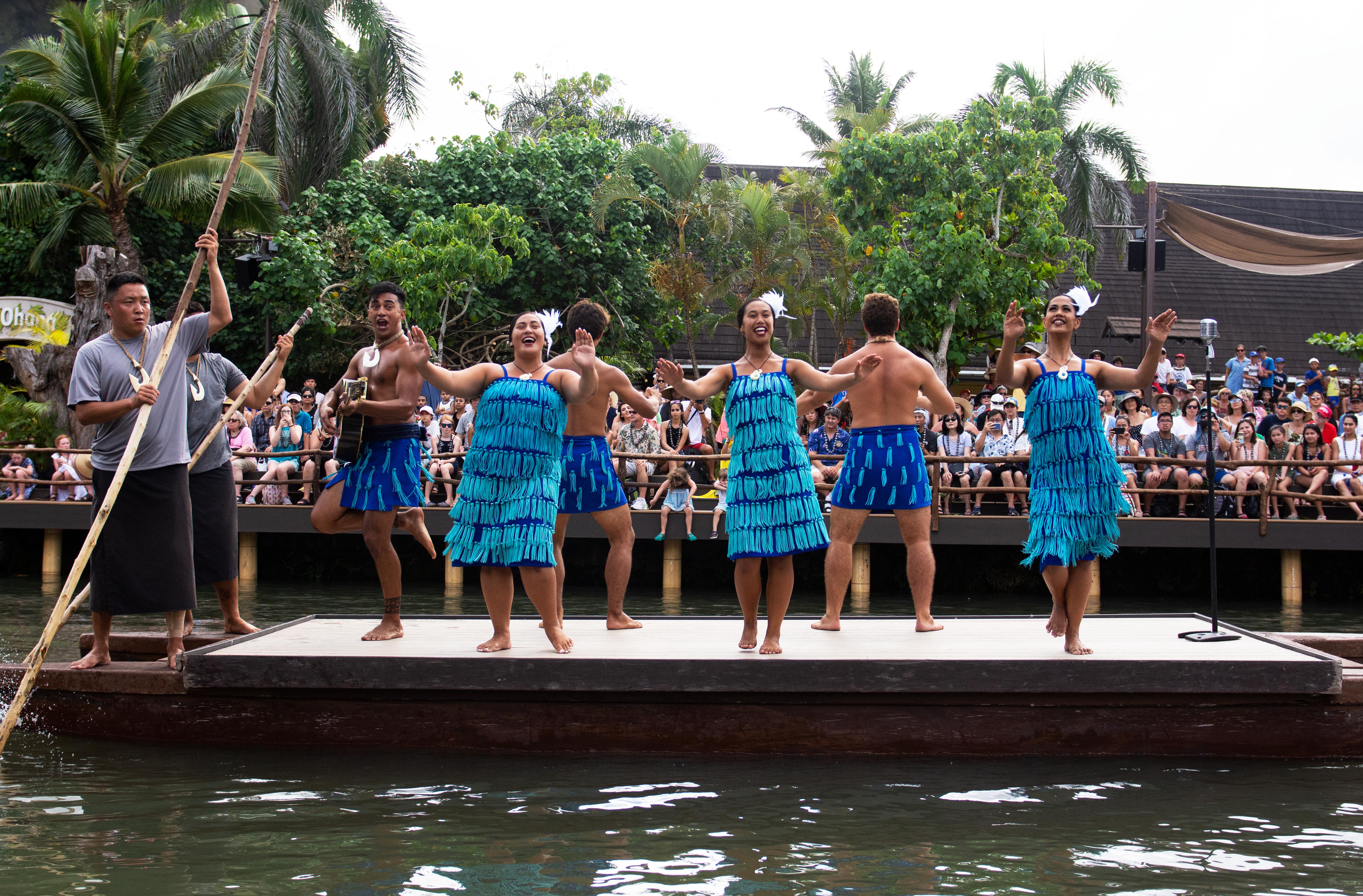 maori canoe huki costume