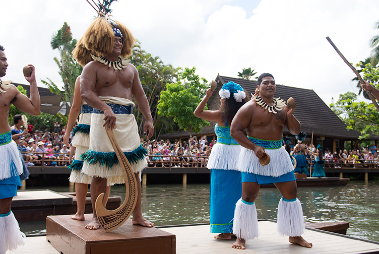 Samoa canoe boat huki costume