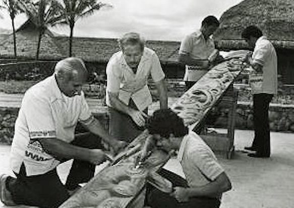 photo of Barney Christy sharing his carving skills at the Polynesian Cultural Center