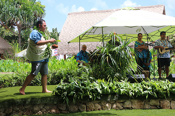 Polynesian-Cultural-Center's-new-hula-mound