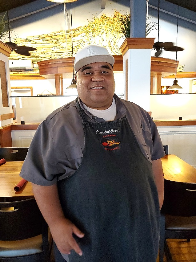 Photo of Pounder's head chef, President Tafilisaunoa Galeai