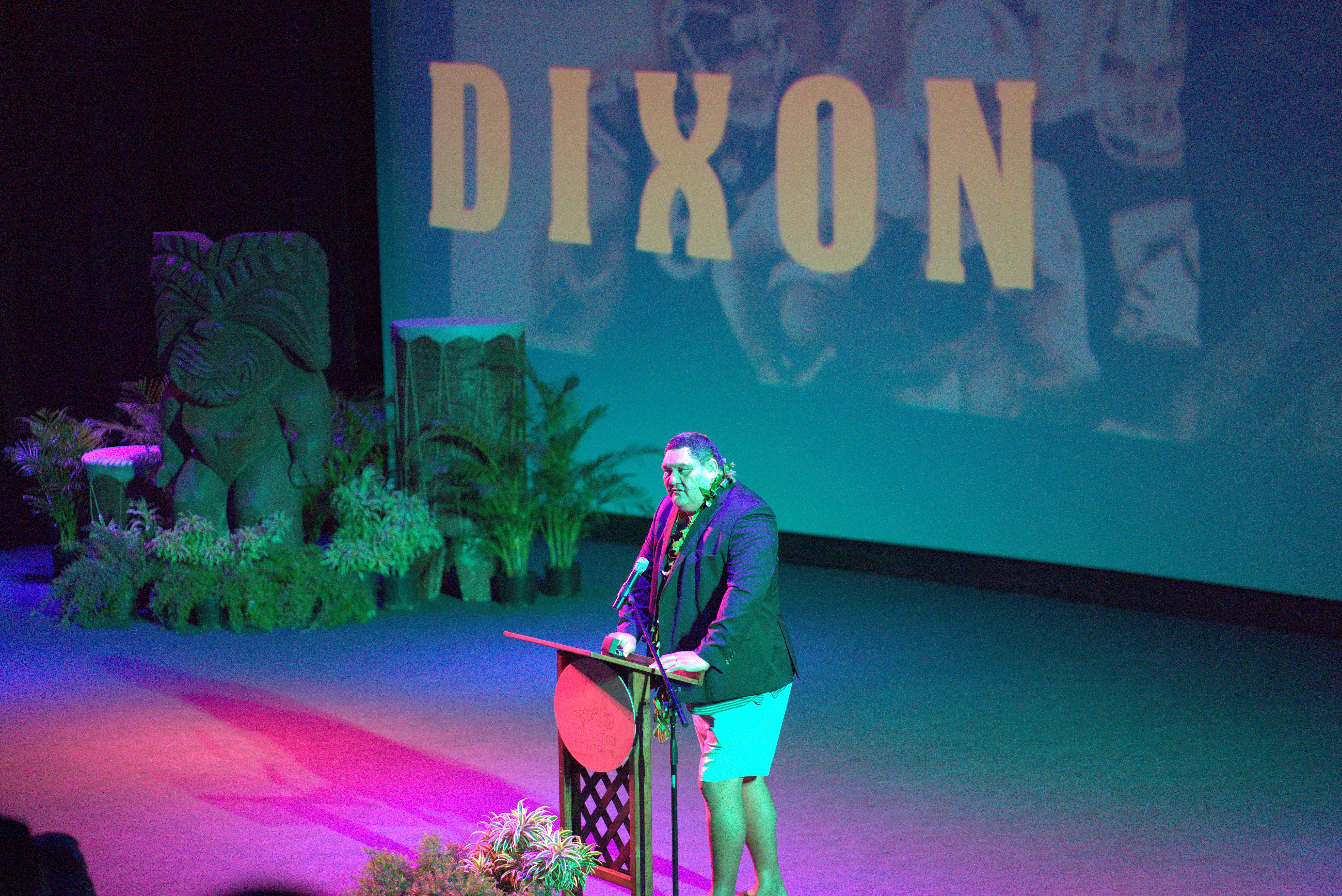 Photo of David Dixon speaking at the 2019 Polynesian Football Hall of Fame induction ceremony