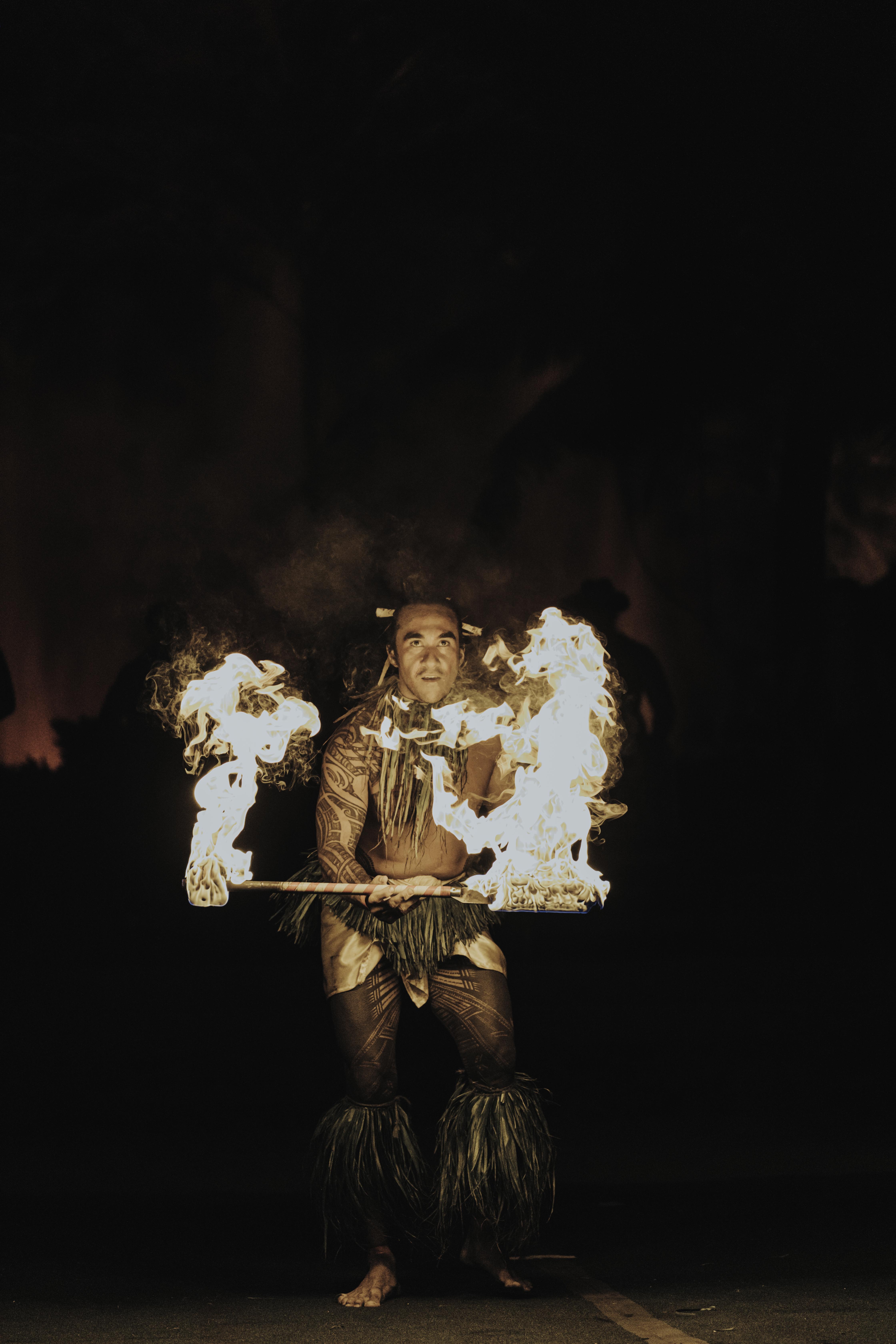 Kepanipaa Damaso performs Fireknife dance